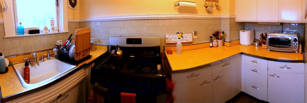 #LWSLClutterFree tiny kitchen after photo